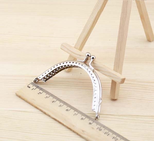 Free shipping 20pcs 8.5cm Simple style Metal coin purse bag sewing handbag frame kiss clasp handle DIY Accessories(China (Mainland))