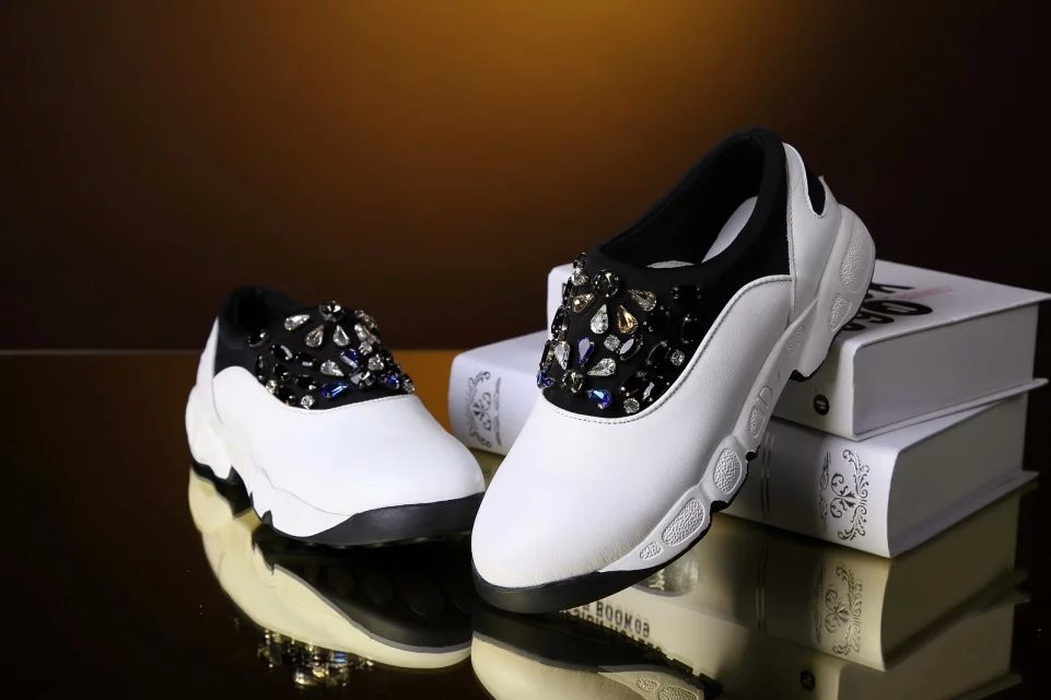 2015 Famous Brand Name Rhinestone Sports Shoes For Women Genuine Leather Cowhide Fashion Shoes High Quality(China (Mainland))