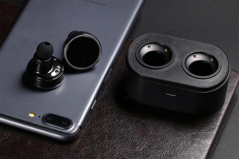 Hot ! 2016 Fashione Bluetooth earphone Wireless Headset Double two stereo In ear earset  for iPhone 7 7 plus Samsung HTC Huawei