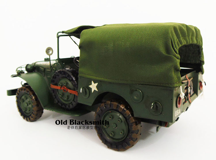 USA20284205 Vintage Army Vehicles Toy Wrought Iron Model Military Decorated Model Frontline Truck Driver To Car Buffs(China (Mainland))