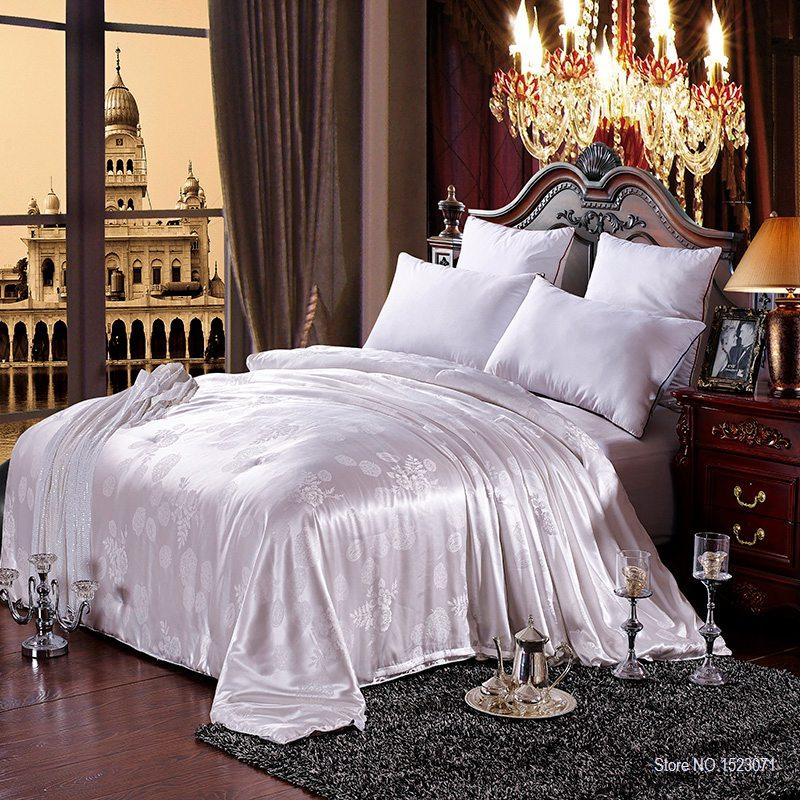 100% mulberry silk quilt/blanket winter&summer king/queen size white handwork positioning comforter/duvet fast shipping(China (Mainland))