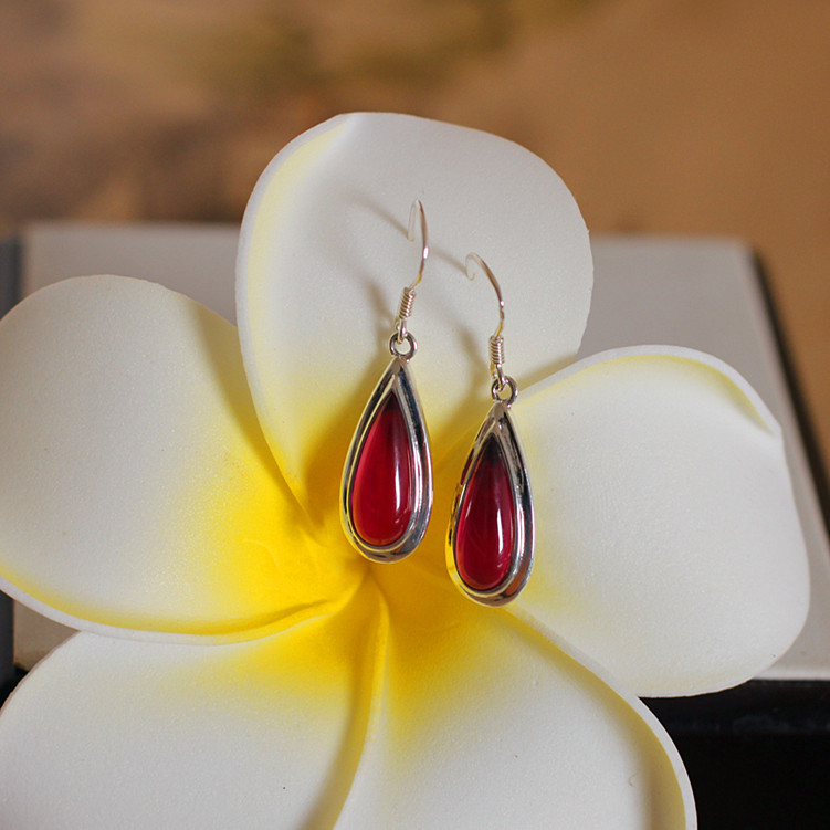 Thai silver wholesale S925 silver fine beauty paragraph teardrop shaped with red corundum Earrings New Hot(China (Mainland))