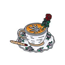 """Perfetto stile di vita tazza di caffè elegante dress up con rosa rossetto e """"ok"""" gesto spilla per il fascino delle donne di aderire al partito(China)"""