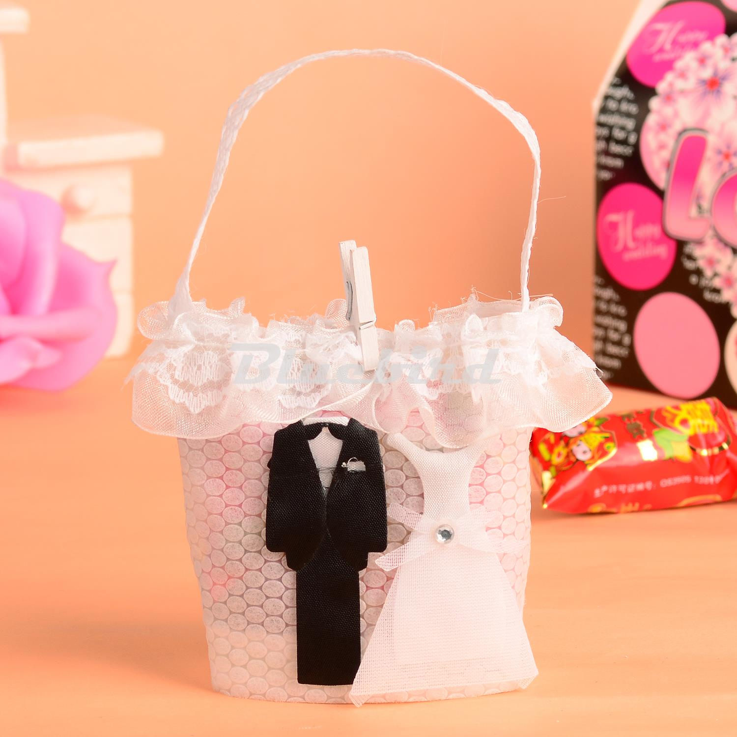 Free Shipping Handbag Shape Non Woven Fabric Bride and Groom Candy Favor Bags Gift Packaging Bags 12pcs(China (Mainland))