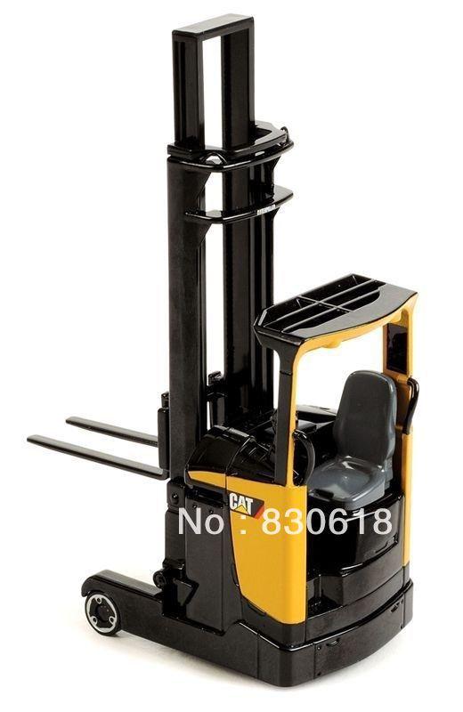 NORSCOT 1/25 SCALE CAT REACH TRUCK RANGE DIECAST NIB 55242 toy(China (Mainland))