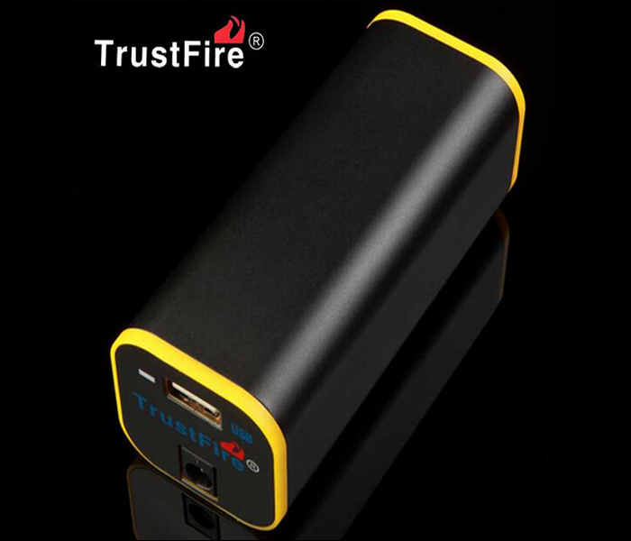 TrustFire E01 8.4V 4000mAh Battery Pack Mobile Power Supply-Included Batteries<br><br>Aliexpress