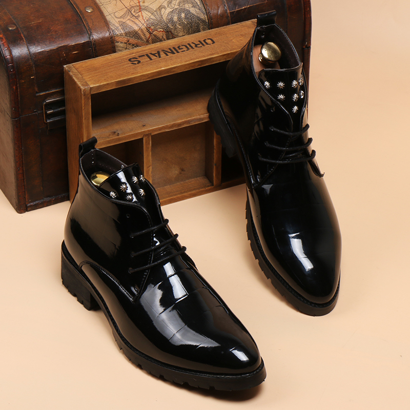 In the spring season the new style fashion genuine leather shoes stylist han edition short boots men leather rivets boots(China (Mainland))