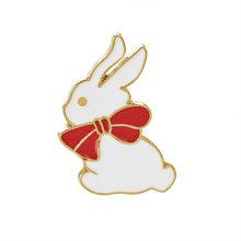 Abbigliamento moda Giacca di Jeans Spille Accessori Dei Monili del Metallo Dello Smalto pin Gatti Coniglio Spilla Ragazza Gioielli Badge Button Maniglia(China)