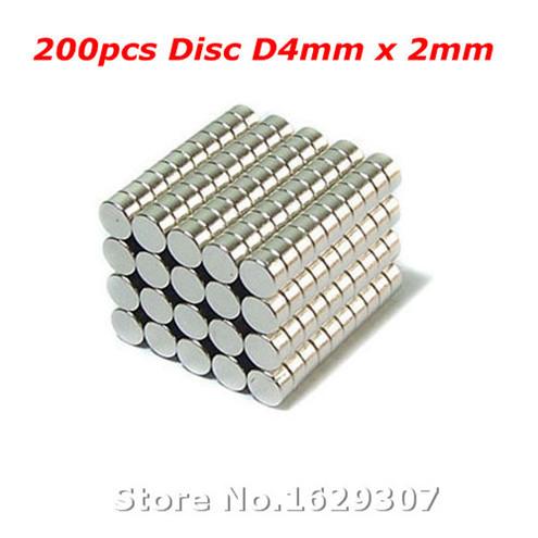 Гаджет  200pcs Bulk Small Round NdFeB Neodymium Disc Magnets Dia 4mm x 2mm N35 Super Powerful Strong Rare Earth NdFeB Magnet None Строительство и Недвижимость