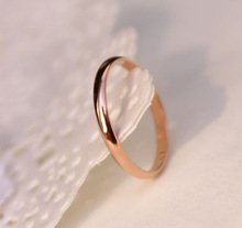 Lose Money Promotion Wholesale Titanium Steel Rose Gold Plated Anti-allergy Smooth Couple Wedding Ring Woman Man Fashion Jewelry(China (Mainland))
