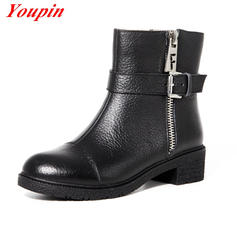 Autumn winter Temperament boots Thick with belt buckle Ankle boots Duantong Black comfort casual Woman Boots Warm short plush