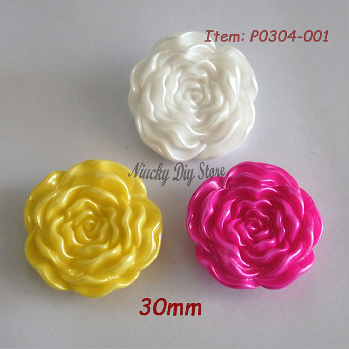 30mm colored rose flower shape buttons white / yellow /rose color large buttons for craft or fashion coat sweater resin flower(China (Mainland))