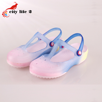 Gradient Color Clogs For Women 2016 Summer New Hole Shoes Beach Sandals Jelly Slippers