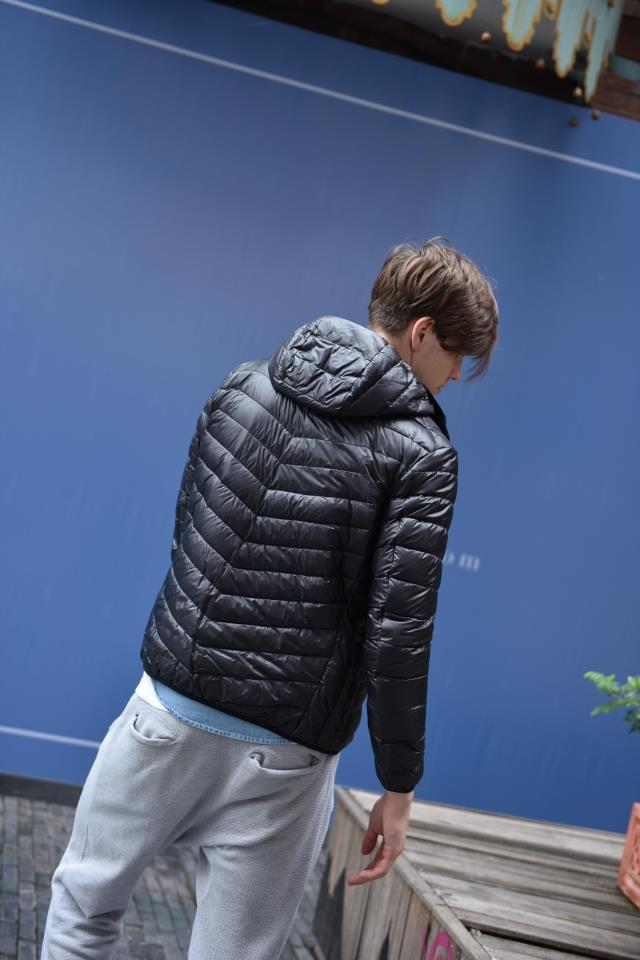 Плюс размер мужчины duck down пальто 2015 новый стиль тонкий слой ультра легкий мужской пуховик с капюшоном верхней одежды пальто