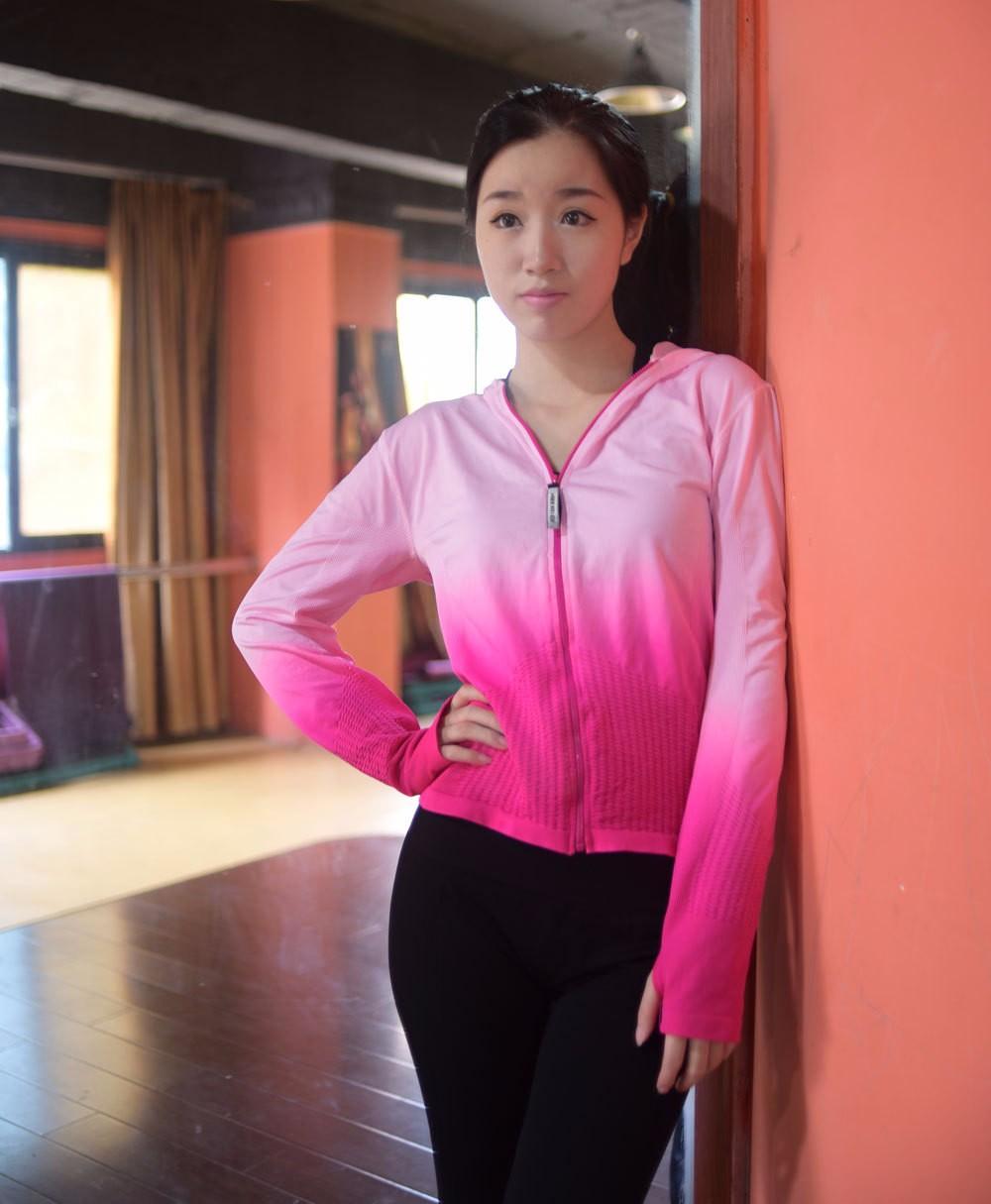2016 Women Sports Running Hoodies Gradual Change Color Zipper Jacket With Hooded Fitness Tracksuits Long Sleeve Sweatshirts Coat