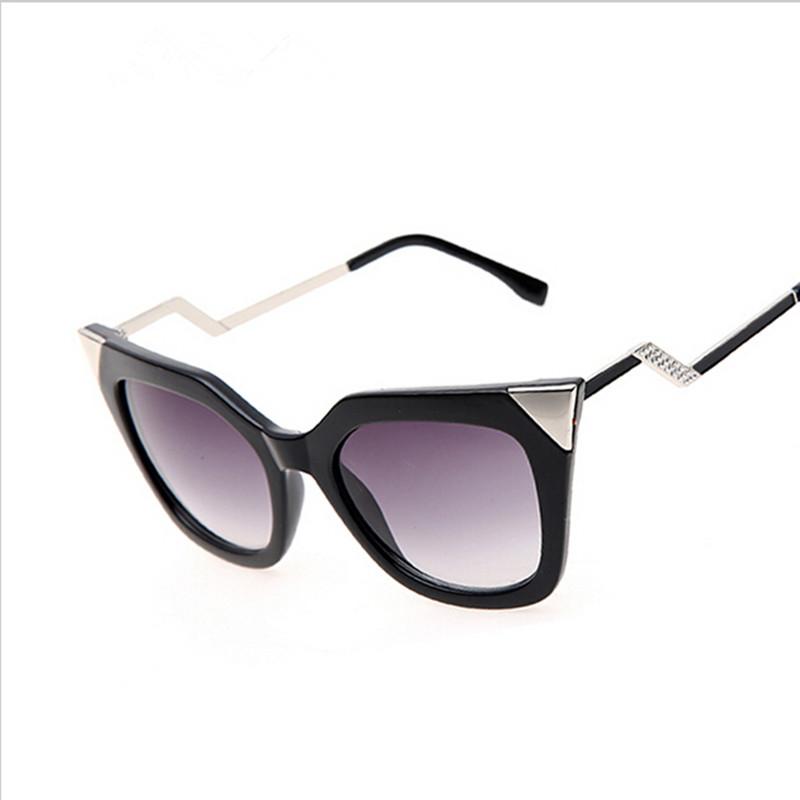 2016 New Brand Cat Eye Bending Temple Sunglasses Women Good quality Sun Glasses Rhinestone Decoration Points women UV400 Shades(China (Mainland))