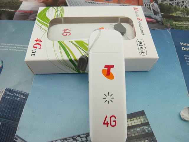 Unlocked-Original-ZTE-MF823-Wireless-4G-LTE-FDD-3G-Dongle-Modem-100Mbps-SIM-Card-Moblie-Phone (7).jpg