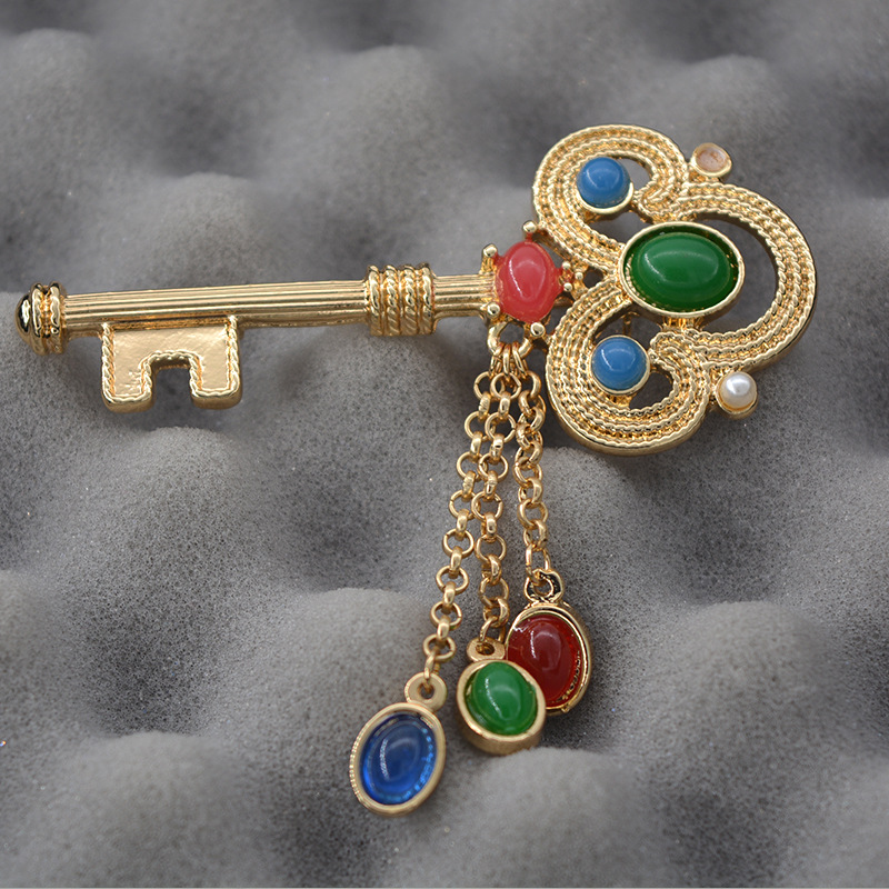 Baroque catwalk exaggerated gem quality turquoise key tassel Brooches wild female badge Brooches wholesale(China (Mainland))