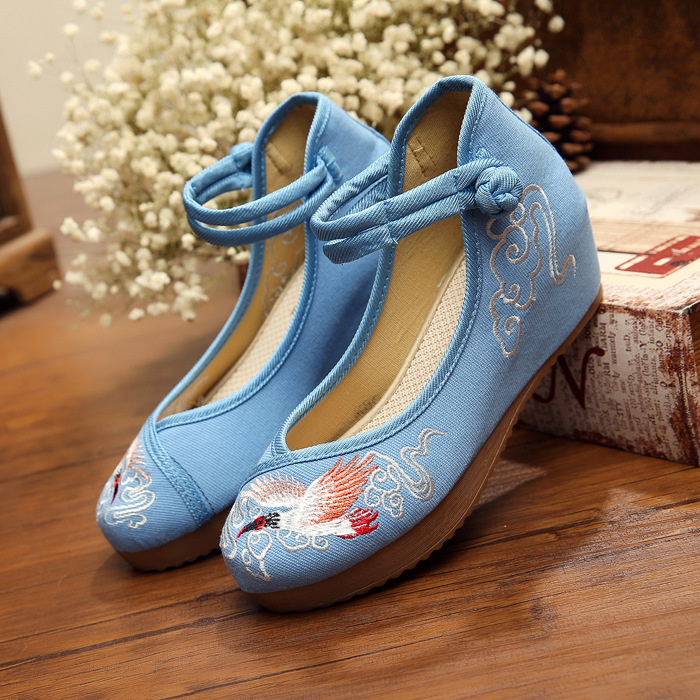 embroidered shoes 5 cm of Crested Ibis scenic features of customized rare birds China style logo women shoes(China (Mainland))