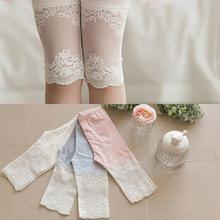 2016 bonbons couleur pantalons enfants vêtements filles couture genou longueur Leggings dentelle fleurs Leggings bébé fille pantalons en coton(China (Mainland))