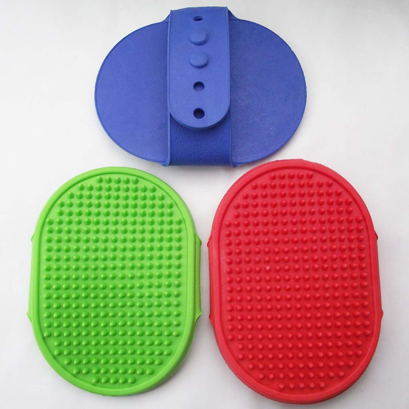 Soft rubber back button pet bath brush flat massage brush pet brush dog combs(China (Mainland))