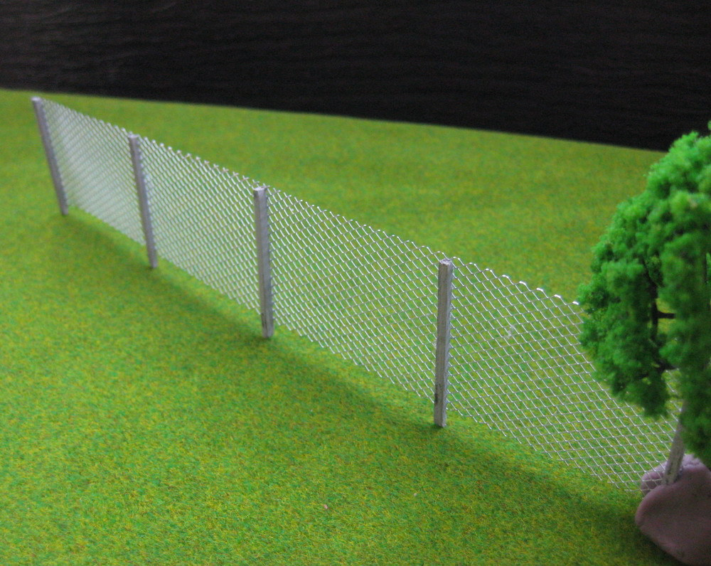 LG7202 1 Meter Model mesh fencing chain link 1:76 OO Scale new(China (Mainland))