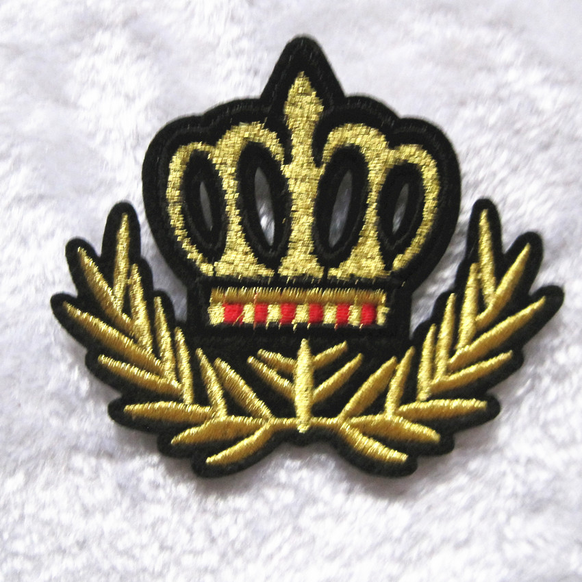 4PC Gold Crown King Queen Logo Kid Baby Jacket T-shirt Patch Sew Iron on Embroidered Sign Badge Costume Clothing Gift(China (Mainland))