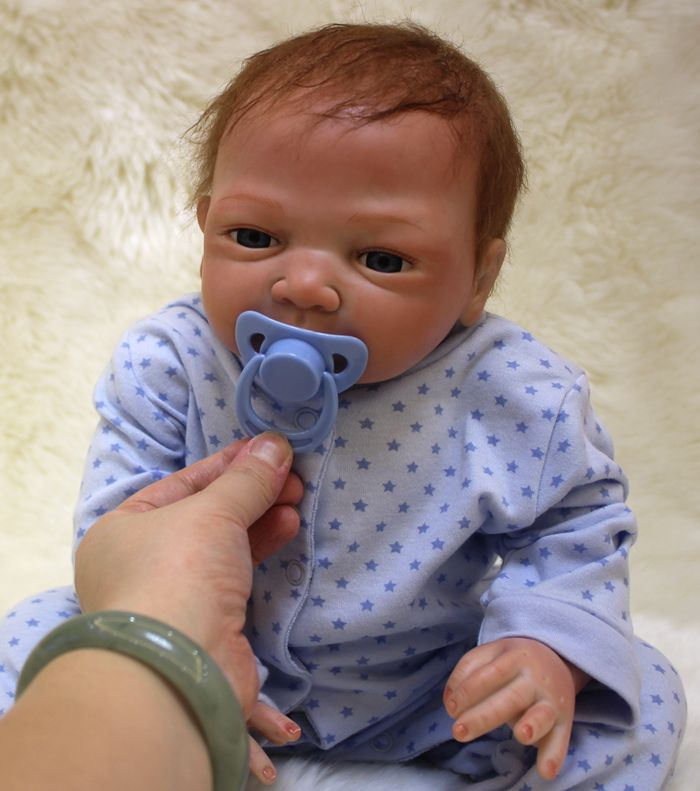 Silicone Reborn Baby Dolls Toy Lifelike Exquisite Soft Body Newborn Boys Babies Doll Best Birthday Gift Present Collectable Doll(China (Mainland))