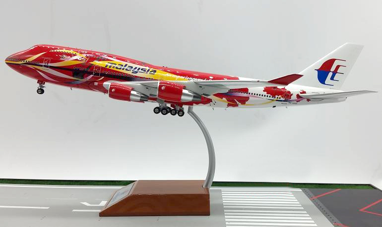 Inflight200 1: 200 Malaysia Airlines Boeing 747 aircraft model alloy Favorites Model(China (Mainland))