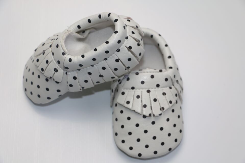 Wholesale Newest High Quality PU Leather Tassel Polka Dot Baby Moccasins Soft Sole First Walker Bebe Newborn 0-24M 20Pairs/lot<br><br>Aliexpress