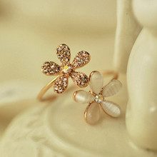 Hot Sale 2016 Korean Style Fashion Gold Crystal Daisy flowers Adjustable Rings For Woman Jewelry Gift
