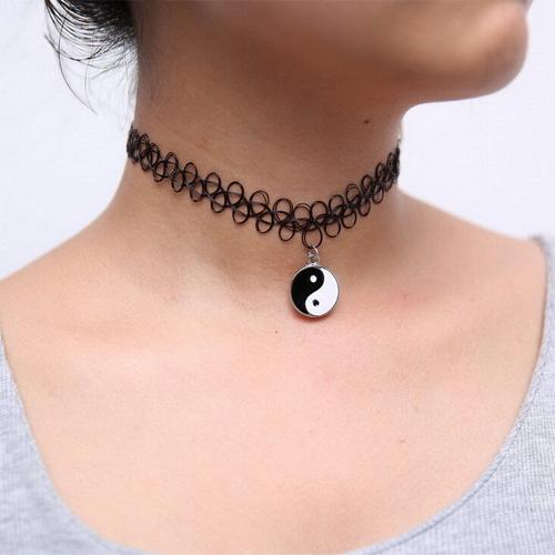 Choker necklace yin yang