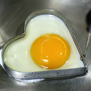 Stainless Steel Heart Omelette Mold Egg Mold Heart Love Cooking Tools Omelette Device(China (Mainland))