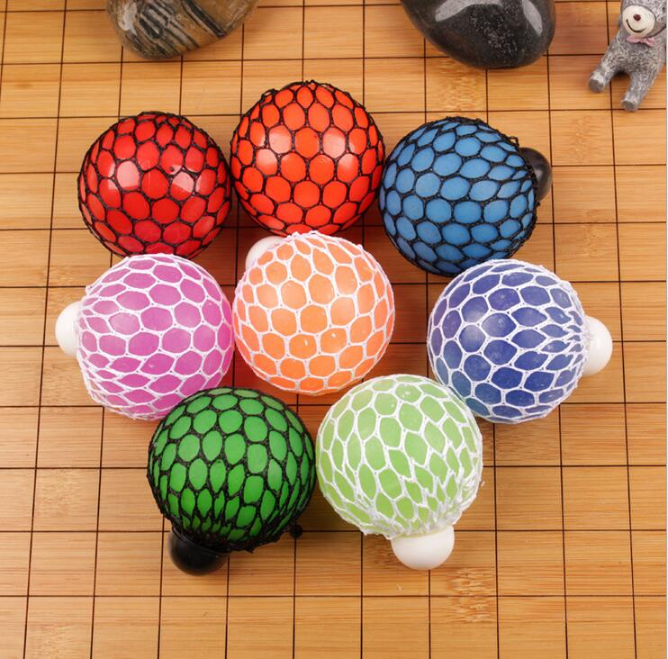 WOW-HOT 1piece New Novelty Infectious Disease Balls Toy,Squeeze The Mesh Squash Morph Ball To Change The Shape,Free Shipping(China (Mainland))