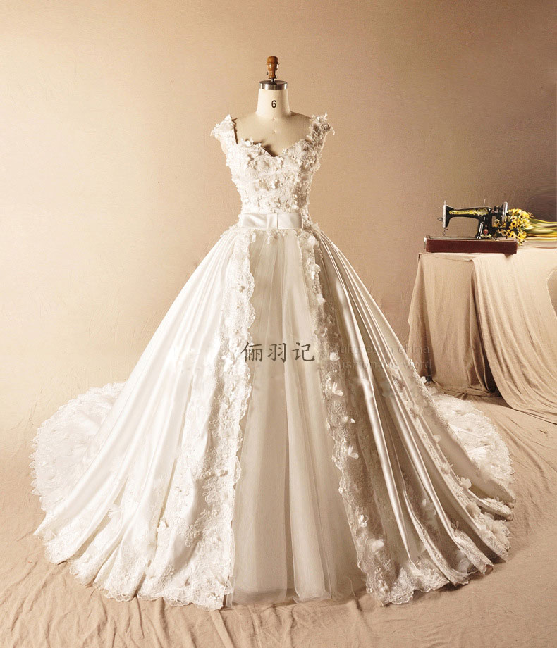 vestido de noiva 2016 Luxurious Appliqued Radiant Taffeta Tulle Wedding Dress Vintage A-Line Tiered Royal Train Wedding Dress(China (Mainland))