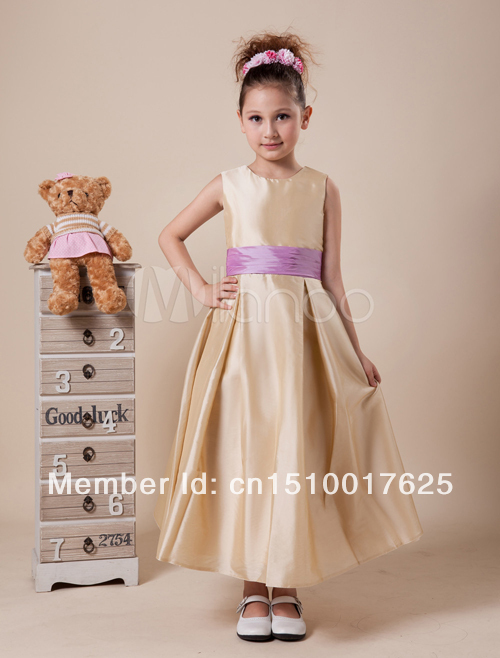 Christmas lovely champagne organza flower girl dresses for Dresses to wear to a christmas wedding