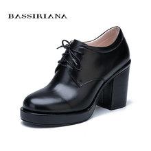 BASSIRIANA Yeni Moda 2017 Hakiki deri süet danteller ayakkabı kadın yarım çizmeler yüksek topuklu yuvarlak ayak Sonbahar 35-40 boyutu siyah(China)
