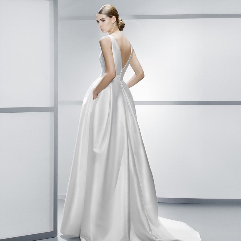 Elegant Silk Wedding Dresses Photo Album - Reikian