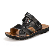 2016 Korean Version The New Summer Men's Leather Sandals Flat Sandals Breathable Casual Wave Shoes High Quality Sandals Men