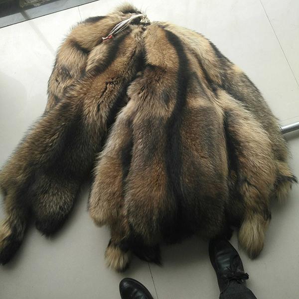 Natural Raccoon fur skins real Raccoon dog fur hide pelts high quality Chinese raccoon fur for hood(China (Mainland))