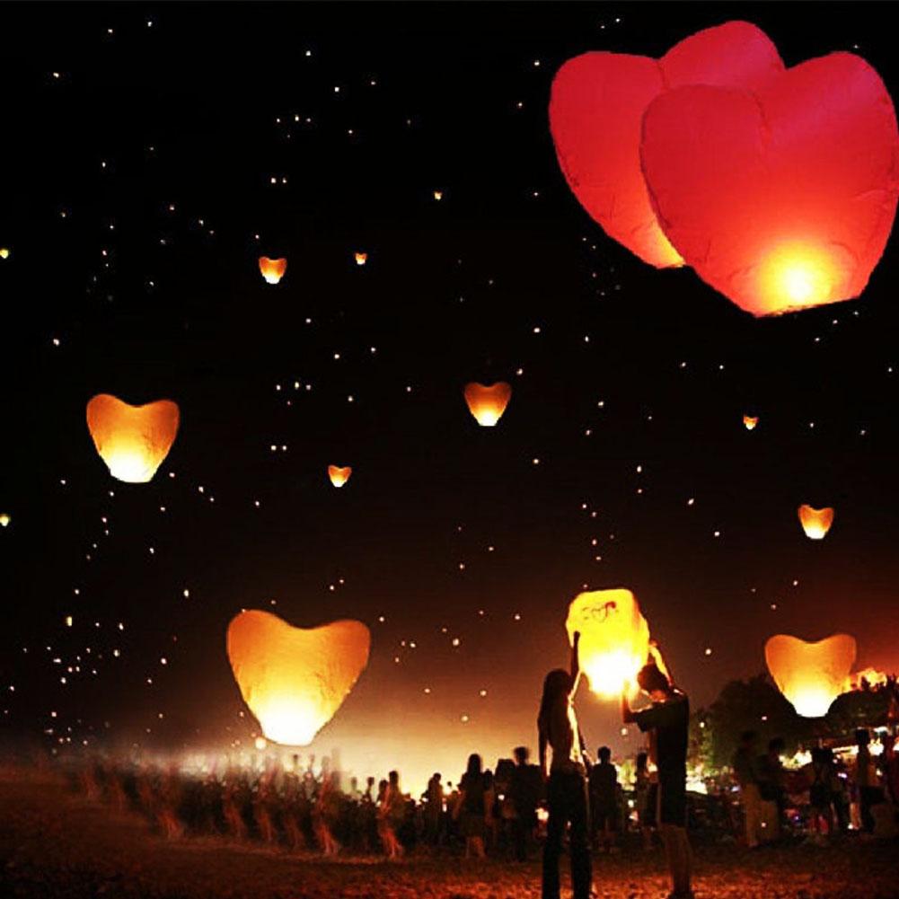 Flying Wishing Lamp Hot Air Balloon Kongming Lantern Cute Love Heart Sky Lantern Party Favors For Birthday Party Random Color(China (Mainland))