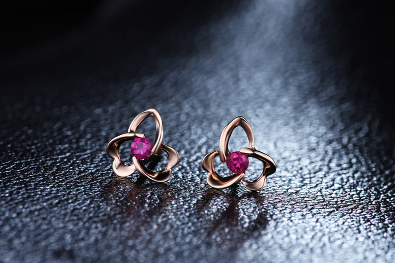 ZOCAI-Flower-Shape-Genuine-Ruby-Gemstone-0-12-CT-Certified-Ruby-Stud-Earrings-18K-Rose-Gold.jpg (790×527)