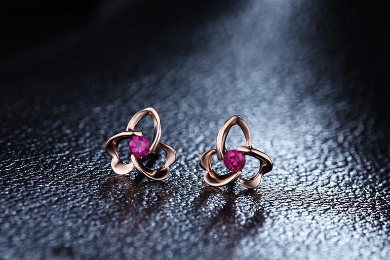 ZOCAI-Flower-Shape-Genuine-Ruby-Gemstone-0-12-CT-Certified-Ruby-Stud-Earrings-18K-Rose-Gold.jpg (790×527)