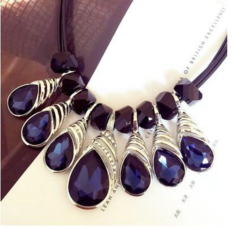 Fashion chain crystal short design necklace women's decoration accessories(China (Mainland))