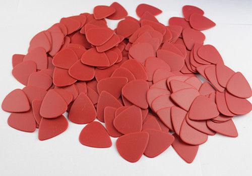 Nice newest 20pcs nylon Anti- skidding picks guitar pick red thickness 1.5mm(China (Mainland))