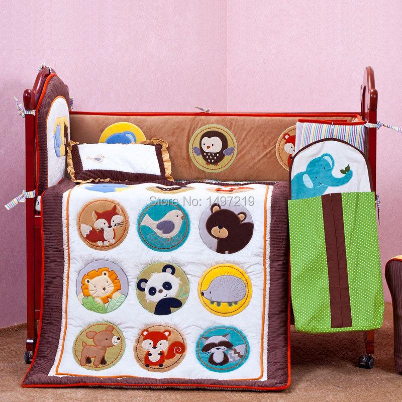 PH036 embroidery crib bedding set (1)