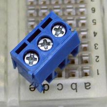 Торговый время! Новый серебристого пластика 5 x 3 контакт. поляки печатной платы клеммная колодка разъем 300 В 16а