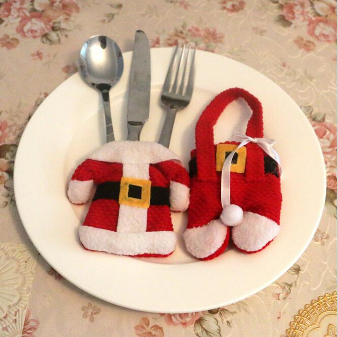 1Set Santa Sliverware Bag Christmas Tableware Decoration Dining Table Clothes Trousers Knife Fork Restaurant Tableware Bags(China (Mainland))