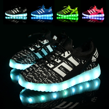 New With Original Box 2016 Breathable Mesh Shoes With Lights For Kids Led Light Up Shoes Boys Girls Yeezy Shoe Glowing Sneakers(China (Mainland))