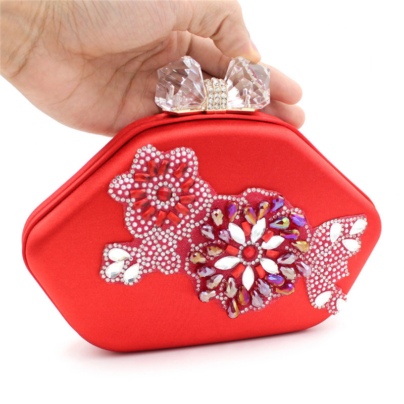 Здесь можно купить  2015 Women Handbag Dianmond Butterfly Flowers Clutch Ladies Messenger Bags Bolsa Feminina Luxury Bow-knot Silk Satin Purse 453x  Камера и Сумки